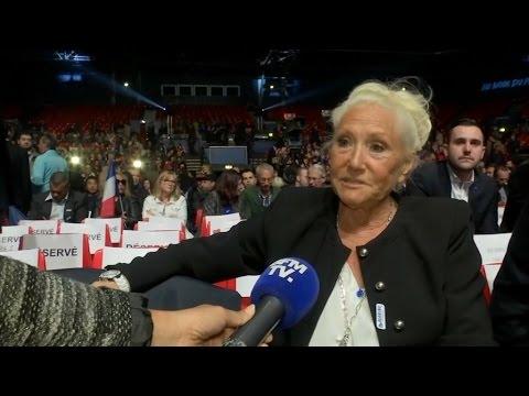 """La mère de Marine Le Pen trouve que sa fille fait """"une campagne formidable"""""""