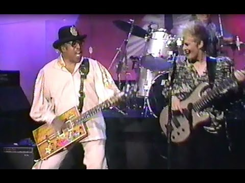 """Bo Diddley on Johnny Carson  1991 - performing """"Bo Diddley"""", and interview following"""