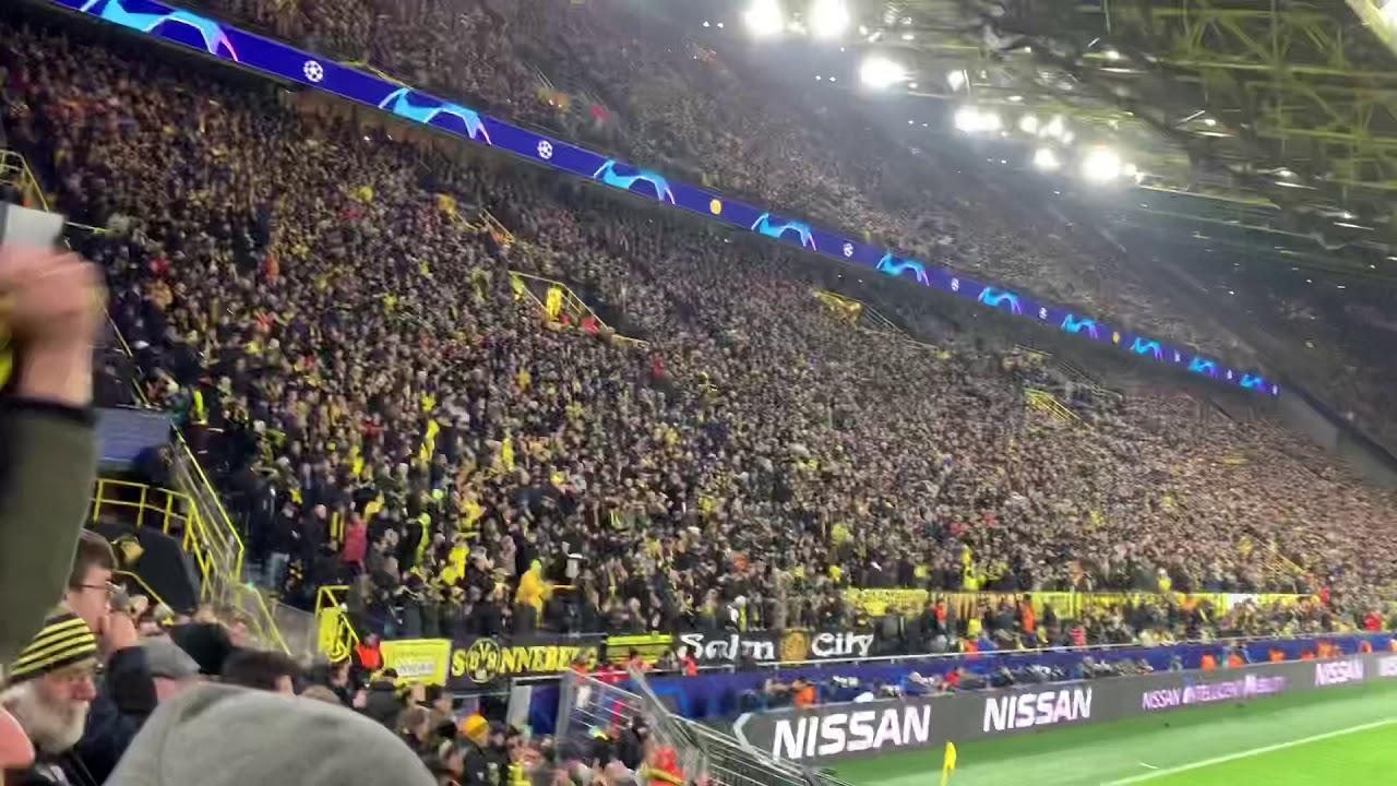 Borussia Dortmund - Paris  2:1 Torjubel und Verabschiedung Südtribüne