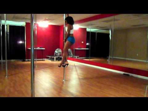 Pole dance freestyle to Wiz Khalifa On my level (Karaoke Hits)