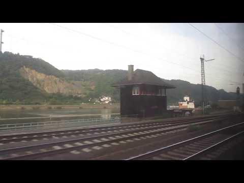 Bahnfahrt am Rhein