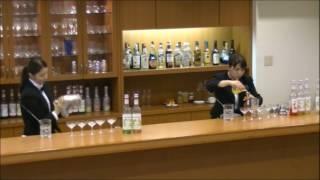 左:清水玲奈さん カクテル名『ペリドット』、右:佐藤さくらさん カクテル名『ひまわり』 佐藤さくら 動画 5