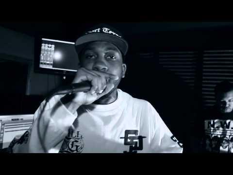 Donnie Houston's Mic Check - Easy Yves Saint