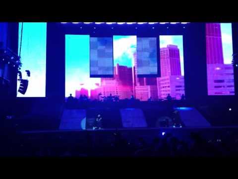 Eminem - Not Afraid (Live at Leeds Festival 2013)