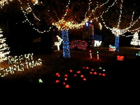 2008 Frisco Texas Christmas light show animated to music with 11,000 lights.AVI