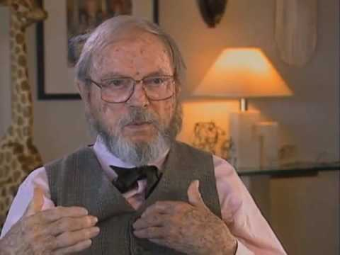 Chuck Jones discusses Mel Blanc -  EMMYTVLEGENDS.ORG