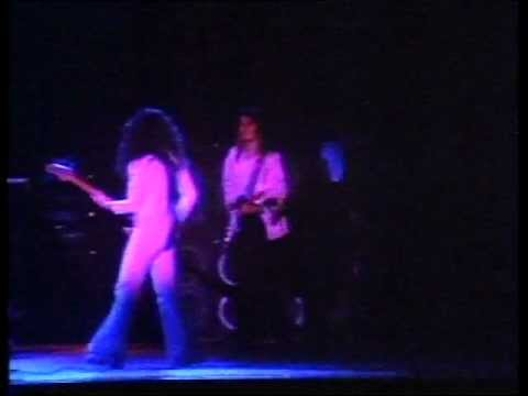 Deep Purple - You Keep On Moving