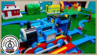 TOMY TRACKMASTER CITY! Thomas and Friends Track by Mom!