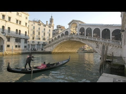 BBC Learning English: Video Words in the News: Protecting Venice (16th October 2013)