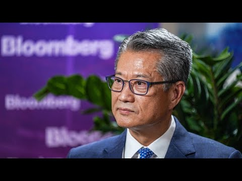 Hong Kong Economy May Recover in 4Q, Financial Secretary Says
