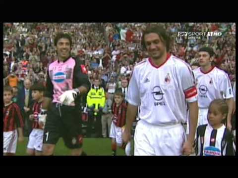 Michel Platini premia Paolo Maldini (28-08-2009 Sorteggi UEFA CL 2009-2010)
