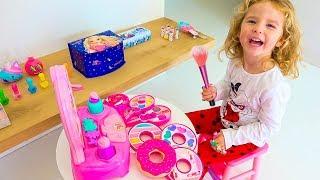 Milusik Lanusik Plays Dress Up & Kids Make Up Toys