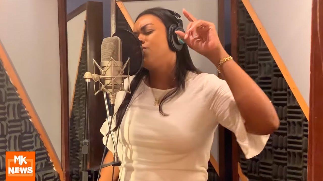 Elaine Martins - Em Estúdio Para Gravar Novo Single de Dia Das Mães (#MKnãoPARA)