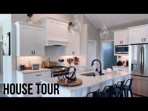 Furnished House Tour // Modern Farmhouse 2019