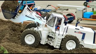 big rc construction vehicles in action / amazing great to scale in 1: 8
