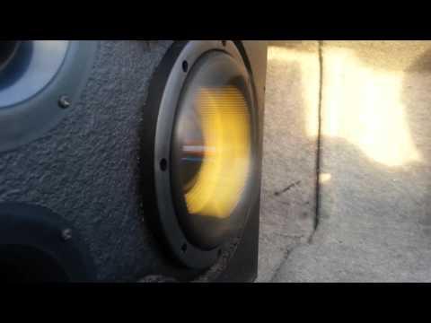 "2 American Bass VFL 8"" On A VFL 2680.1D Hybrid Amp"