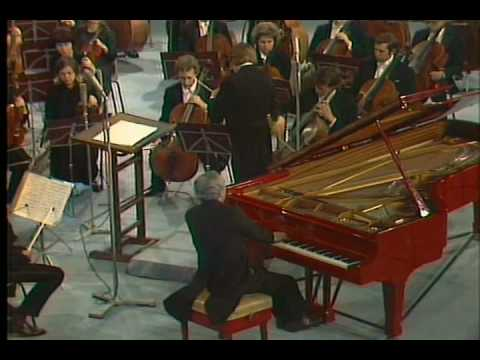 Yakov Flier plays Liszt Piano Concerto no. 2 in A Major (Part 2/3).
