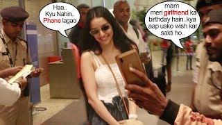 Shraddha Kapoor's FAN asks her 2 wish his Gf Happy Birthday@Airport..wht Happns next will melt u