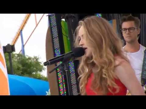 Sabrina Carpenter - Eyes Wide Open (Live at YTV Summer Beach Bash II)
