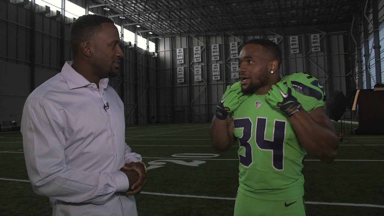 Off Day with Jordan Babineaux - Action Green Photoshoot - YouTube 7f36f7fd7