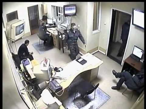 Полицейским,избившим задержанного дали срок