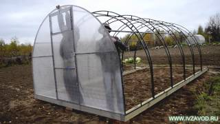 Установка поликарбоната на теплицу(Видео об установке поликарбоната на теплицу., 2014-10-16T06:22:36.000Z)