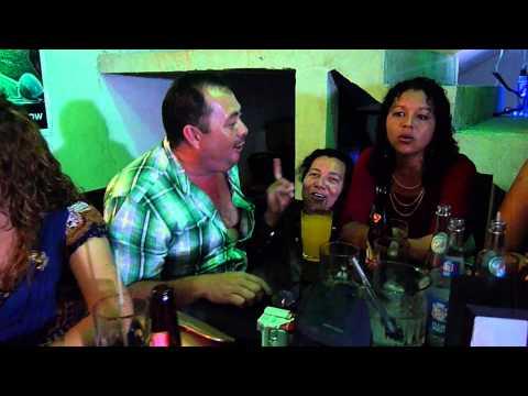 Said Palacios En Sanarate Cortesia de Scandia en Restaurante, Bar y Discoteca Clovers.