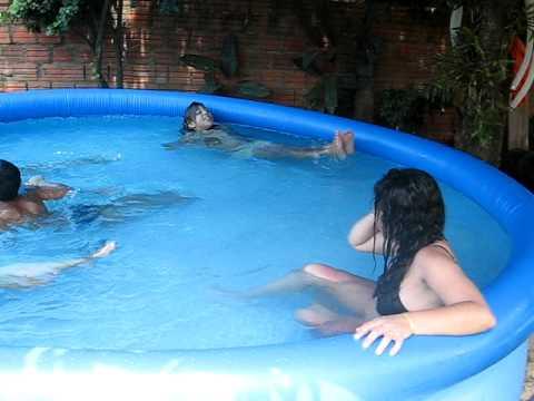 gajas despidas sexo na piscina