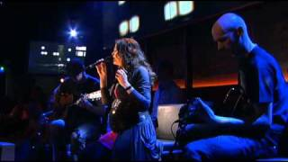 Within Temptation @ De Wereld Draait Door  - Interview + Faster (Acoustic) (Short)