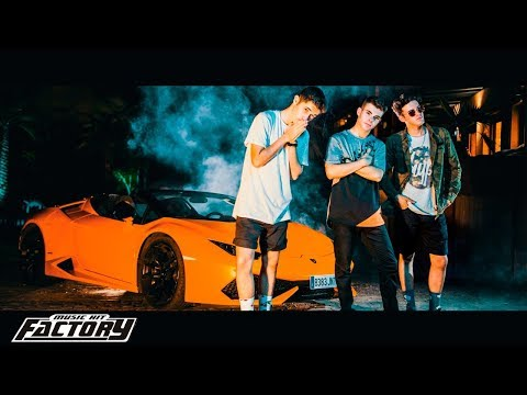 SOMOS LA REVOLUCIÓN (Official Music Video) - Salva