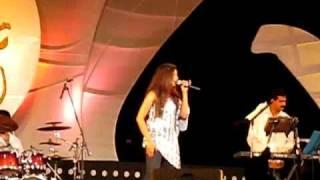 Download Hindi Video Songs - Shreya ghosal live performance kannada song_bangalore_16-9-10.avi