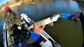 Ловля щуки перед нерестом 2020 Где искать щуку Рыбалка 2020 Рибалка на р Горинь