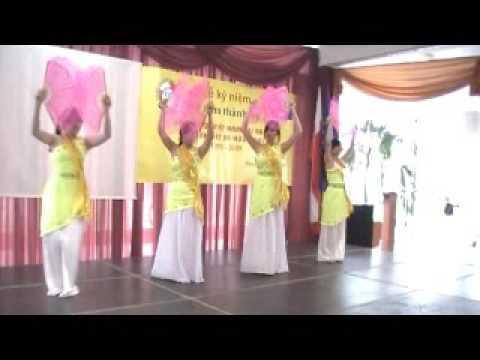 Múa sắc màu Chàm Rông -  Nhóm múa các cháu Cộng đồng Việt nam tại Balan