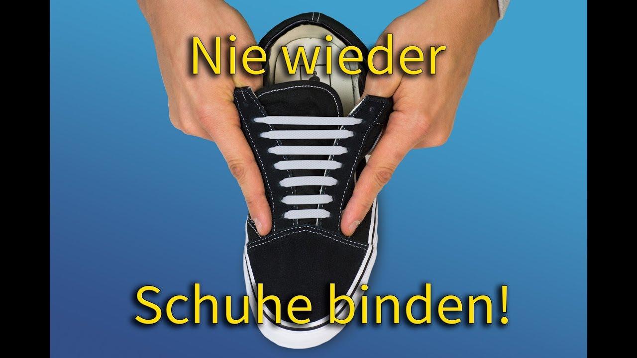 Schnürsenkel besser einfädeln bei klassischen Schuhen.
