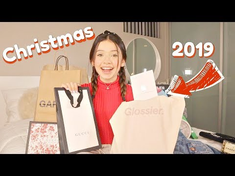 WHAT I GOT FOR CHRISTMAS 2019!! Gucci, Glossier, Garage, Urban Outfitters SOPHIE MICHELLE