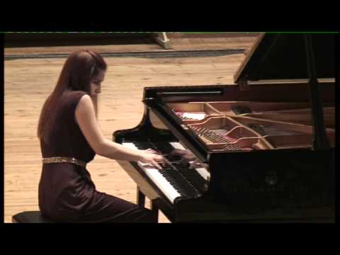 "Elina Akselrud Plays Prokofiev ""Sarcasms"", Op.17"