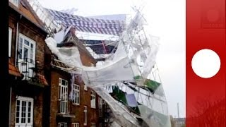 Caught on camera: Hurricane wind blows scaffolding off house in Copenhagen