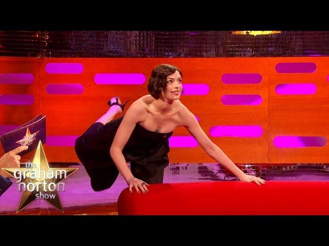 Anne Hathaway & Matthew McConaughey Give Away Secrets to Zero Gravity Acting