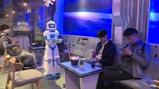 Trải nghiệm mới lạ với quán cà phê robot đầu tiên ở Hà Nội