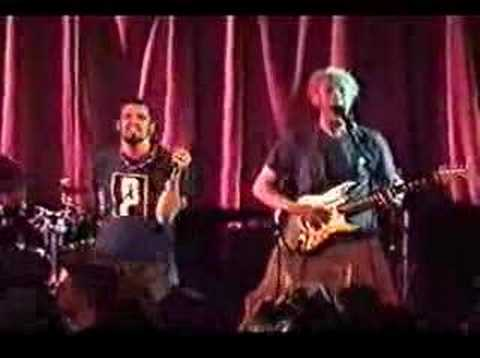 Killswitch Engage 03 Fixation On The Darkness (live NY 2002)
