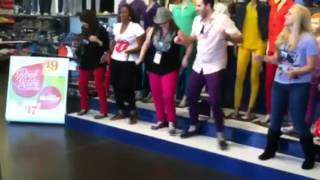 Old Navy 3499 Flash Mob