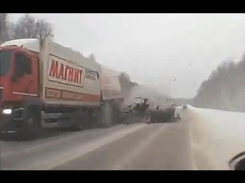Жесткие и страшные аварии Января 2017