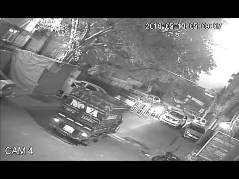 rich guys in fortuner  theft a car in sector-7 rohini , delhi