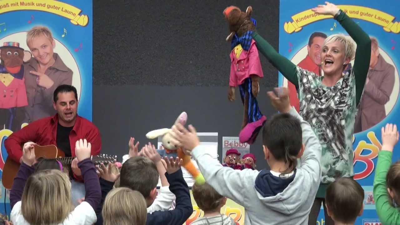 Körperteile Kinder Lied Bewegungslieder mit Bobby live - YouTube