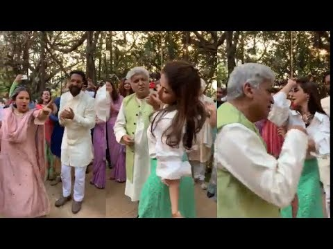 Javed Akhtar Dancing in Romantic Song with Urmila Matondkar in front of wife Shabana Azmi