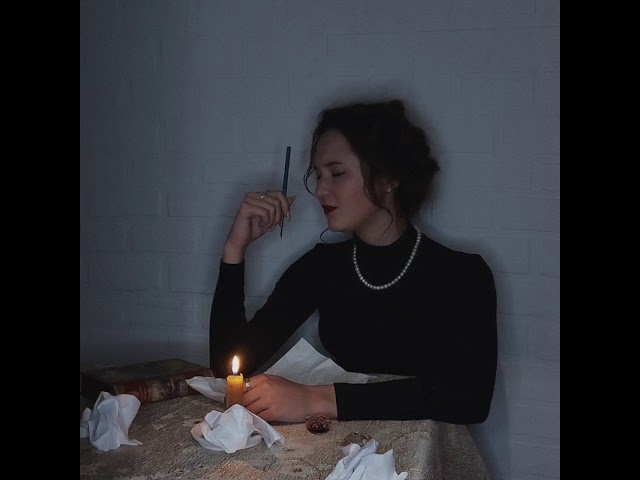 Изображение предпросмотра прочтения – ВалерияНоваковская читает произведение «Письмо к женщине» С.А.Есенина