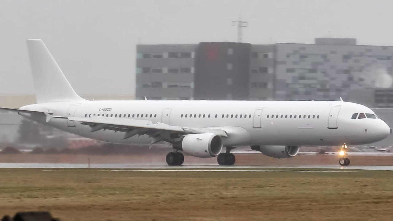 First Air Transat Airbus A321 Landing In Montreal Yul Cyul Youtube