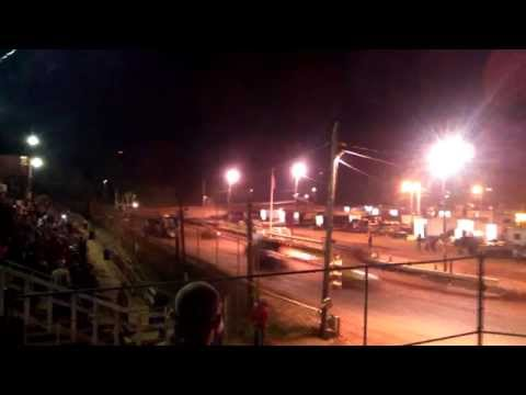 Sumter Speedway sprint car crashes on front straight