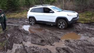 2014 jeep cherokee trailhawk off road in tremblant at the jamboree canada la diable 2014