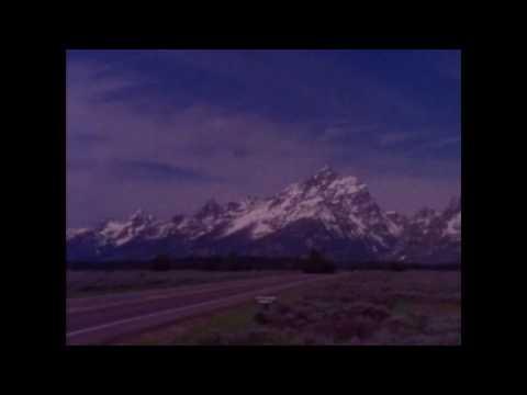 Drab Majesty - Dot In The Sky